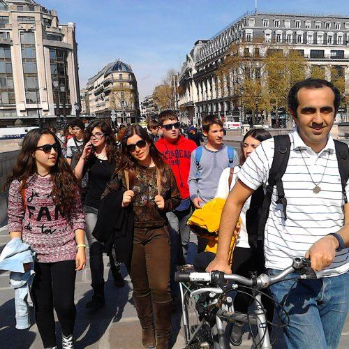 Visiter Paris autrement - Adveniat Auberge de Jeunesse de Paris Centre Champs Elysées