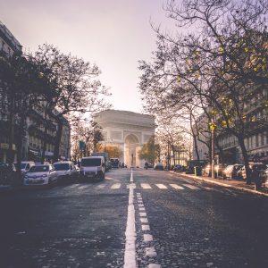 Arc de Triompe - Adveniat Auberge de Jeunesse Paris Centre Champs Elysées